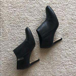 Vince Camuto Black Corra Boots/Booties